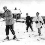 Kuntoileva presidentti Kekkonen seurueineen